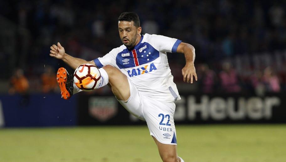 Em entrevista, Edílson explica discussão com Henrique e critica duramente o time do Cruzeiro - 1