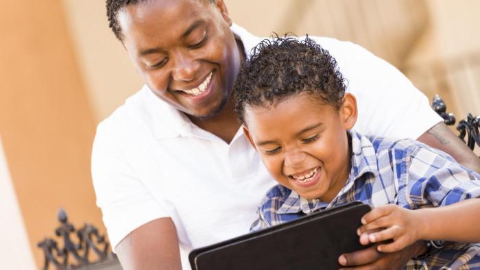 Mais da metade dos pais não supervisiona a atividade online dos filhos - 1