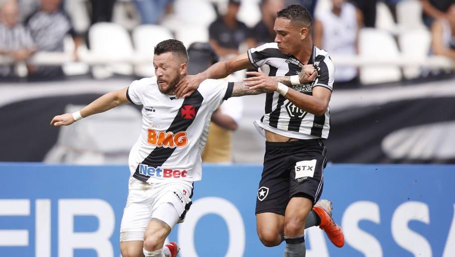Prass, Henríquez, Guarín, Blandi e Rossi: André Mazzuco atualiza situações de mercado do Vasco - 1