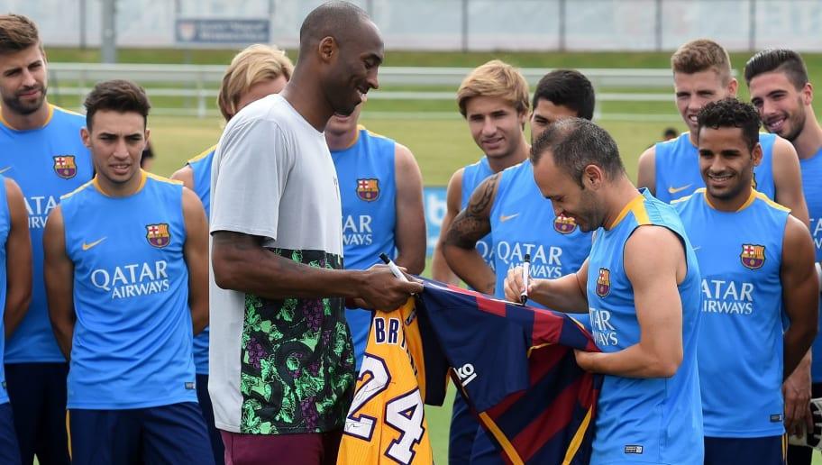 ADEUS, KOBE: mundo do futebol se despede de uma das lendas da NBA - 1