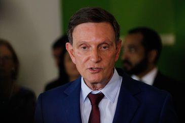 O prefeito Marcelo Crivellafala à imprensa sobre a reunião com o presidente da República, Jair Bolsonaro, no Palácio da Cidade.