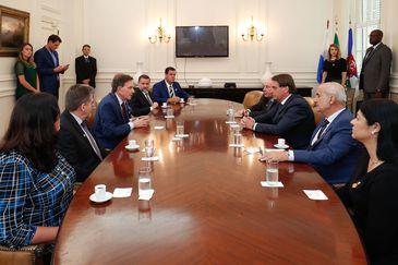 Presidente da República, Jair Bolsonaro, participa de reunião com Secretários Municipais e o prefeito do Rio de Janeiro Marcelo Crivella