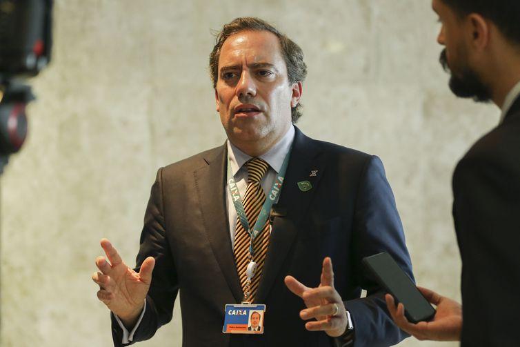 O presidente da Caixa Econômica Federal, Pedro Guimarães, fala à imprensa após cerimônia de lançamento do novo FGTS e liberação do PIS/PASEP, no Palácio do Planalto.