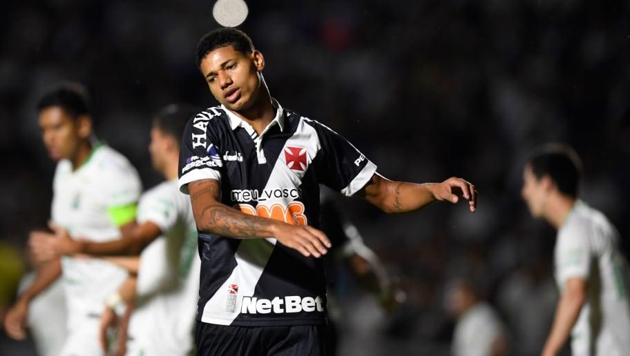 Após Marrony ser vaiado, Abel Braga conversa com atacante e toma decisão para o próximo jogo - 1