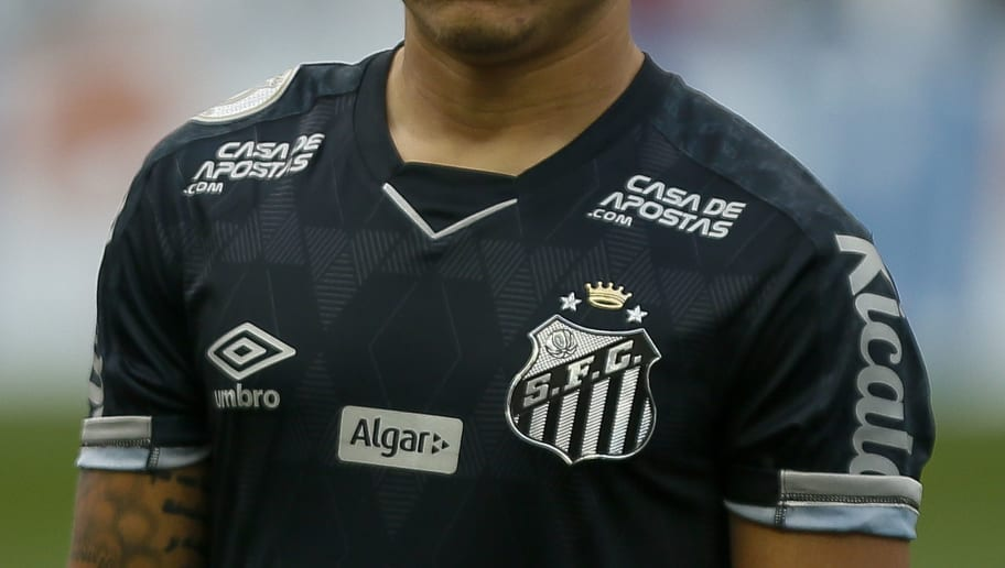 Bem próximo da meta de patrocínios para 2020, Santos reabre debate sobre máster - 1