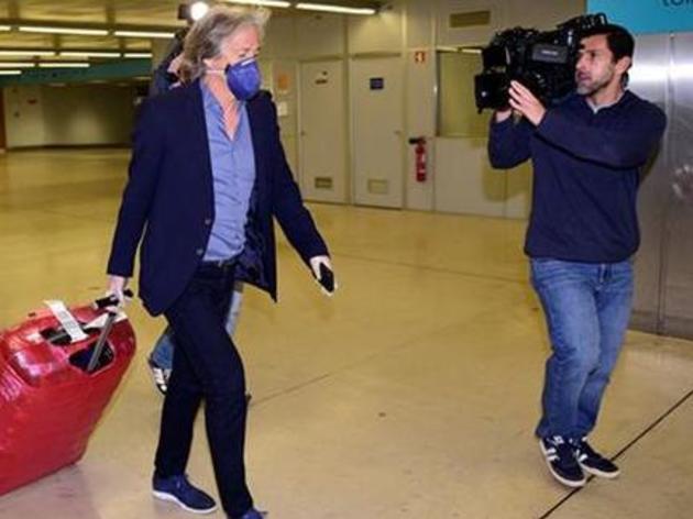 Jesus chega a Portugal para período de quarentena; presença da imprensa irrita treinador - 2