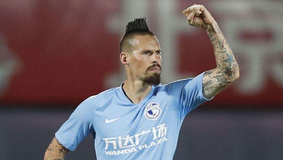 Lembra deles? 6 jogadores que se transferiram ao futebol chinês e 'sumiram' - 1