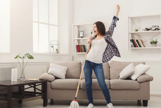 LISTA: Dez músicas animadas para você ouvir enquanto limpa a casa! - 1