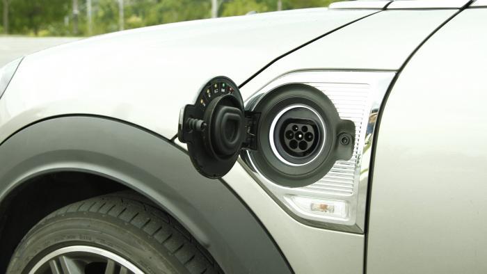 Bateria com autonomia de 2 mil km pode equipar carros elétricos em breve - 1