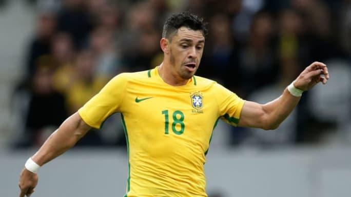 Clubes se mobilizam por Giuliano, mas retorno do meia ao Brasil passa por diversas situações - 2