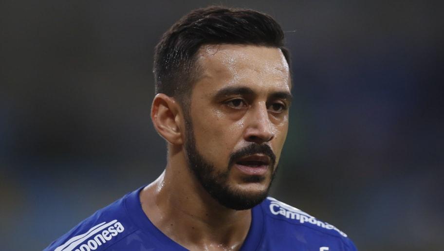 Em nota, Cruzeiro comunica sobre busca por rescisão amigável com dois veteranos do elenco - 1