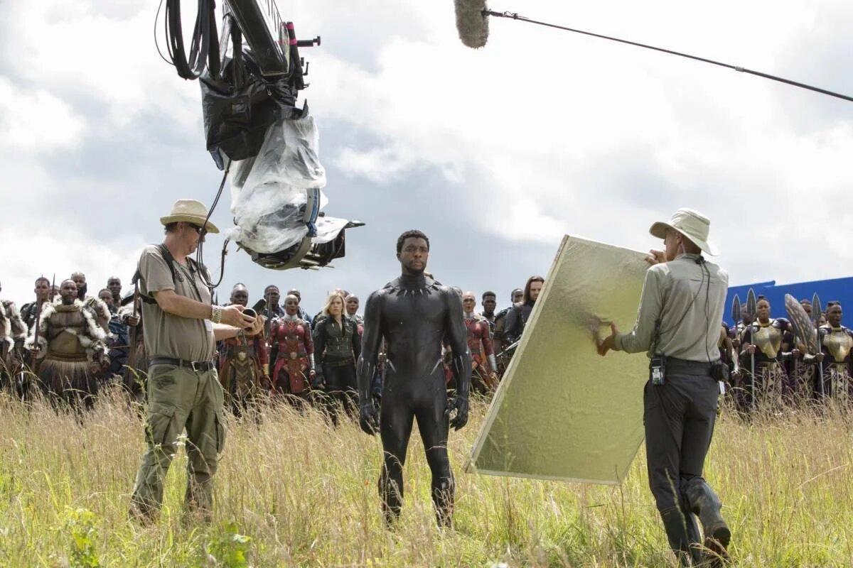 Vingadores se divertem em fotos inéditas da Marvel - 8