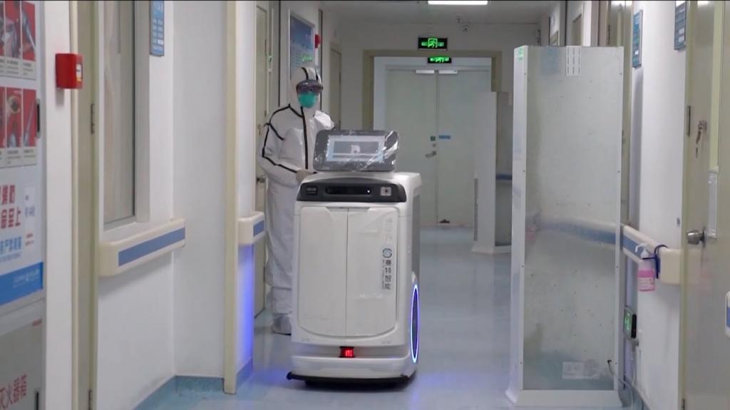 COVID-19 | Fiocruz instala robô para ajudar em testes de COVID-19 - 2