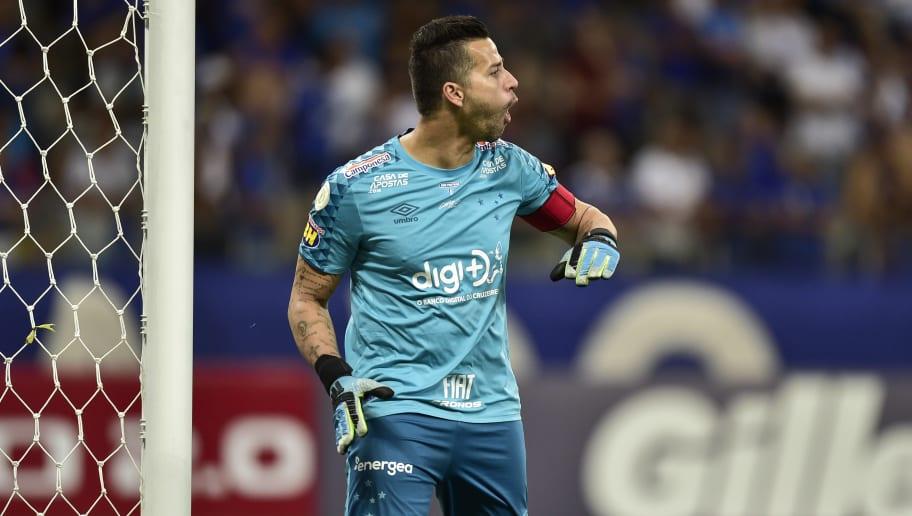 Cruzeiro quer renovar com Fábio para o centenário e monitora situação de Ariel Cabral - 1