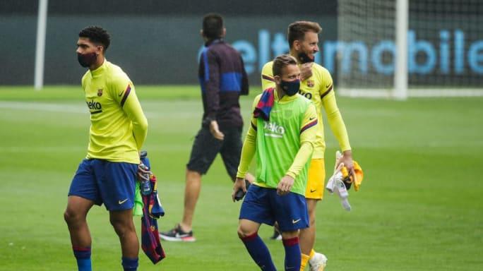 Liberado pelo DM do Barça, Arthur só deve voltar aos gramados pelo Barcelona
