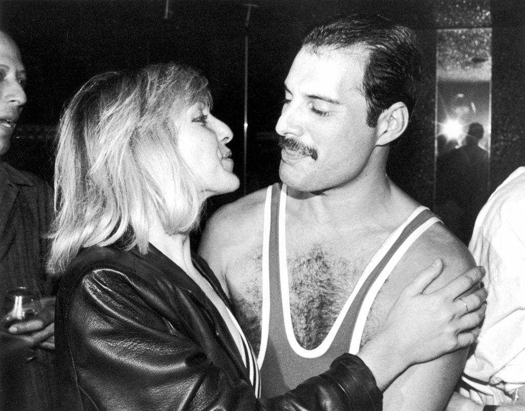 Amigo faz comovente revelação sobre Freddie Mercury e ex-namorada - 1