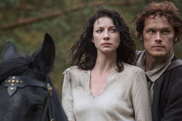 Apenas agora fãs encontram grande erro no 1° episódio de Outlander - 2