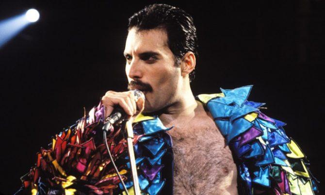 Elton John choca com revelação sobre os dias finais de Freddie Mercury - 1