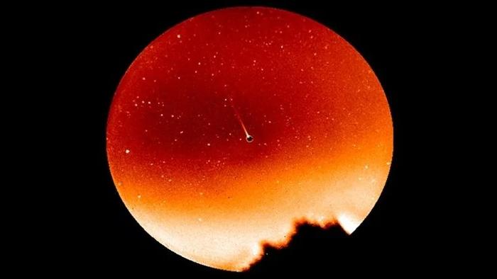 Você sabia que Mercúrio tem uma cauda semelhante às dos cometas? - 1