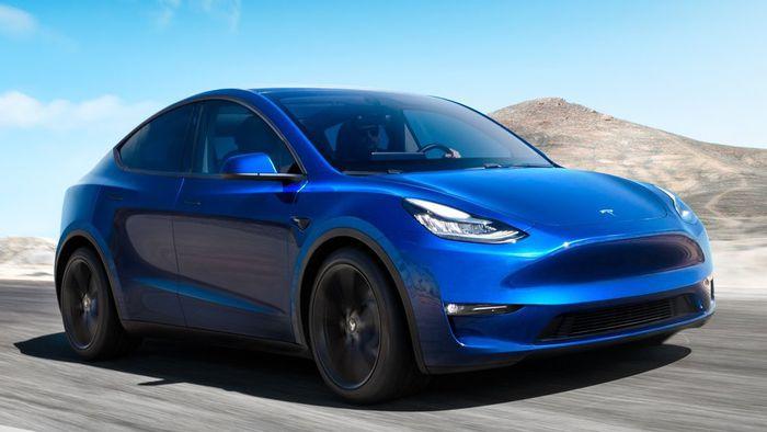 """Vídeo mostra """"piloto autônomo"""" da Tesla quase se envolvendo em acidente fatal - 1"""