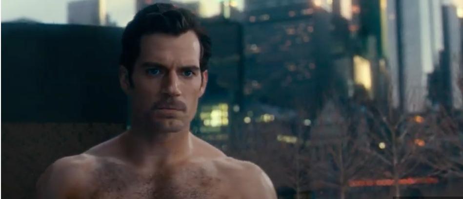 Pedido de fãs é atendido e vídeo traz Superman de Henry Cavill com bigode - 1