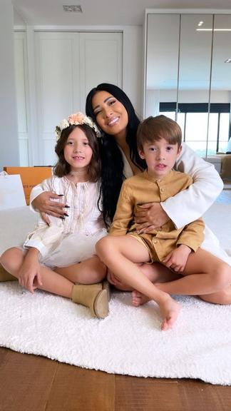 """Simaria surge em belas fotos com filhos e marido: """"Família mais linda"""" - 2"""