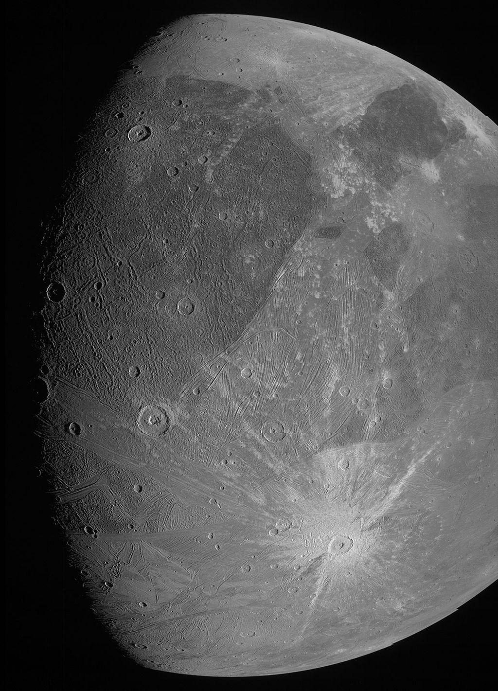 Sonda Juno fotografa Ganimedes após 20 anos sem novas imagens da lua de Júpiter - 2