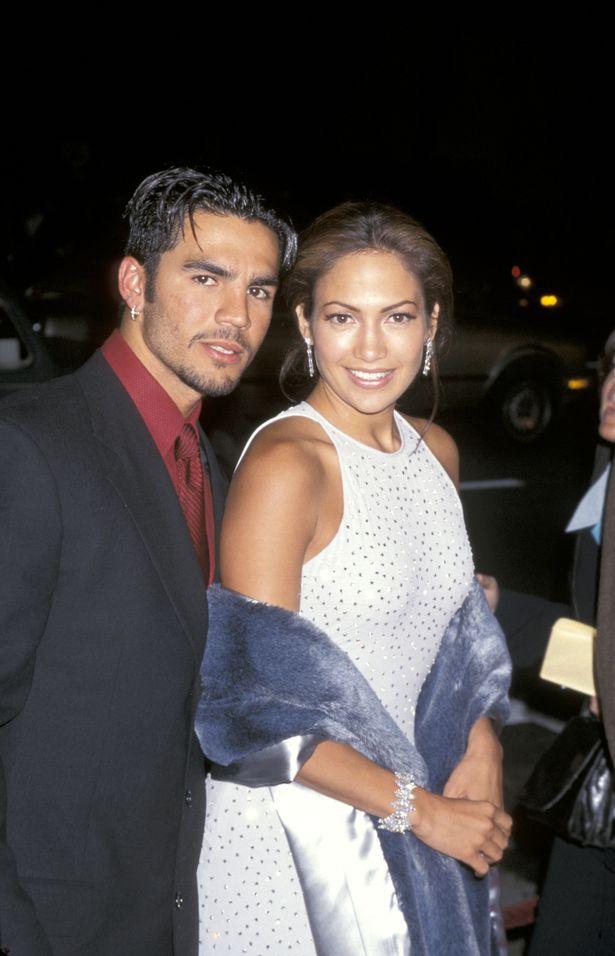 Ben Affleck e Jennifer Lopez visitam casa à venda em Los Angeles - 2