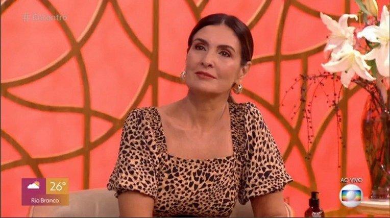 Indisposta, Fátima Bernardes é substituída no