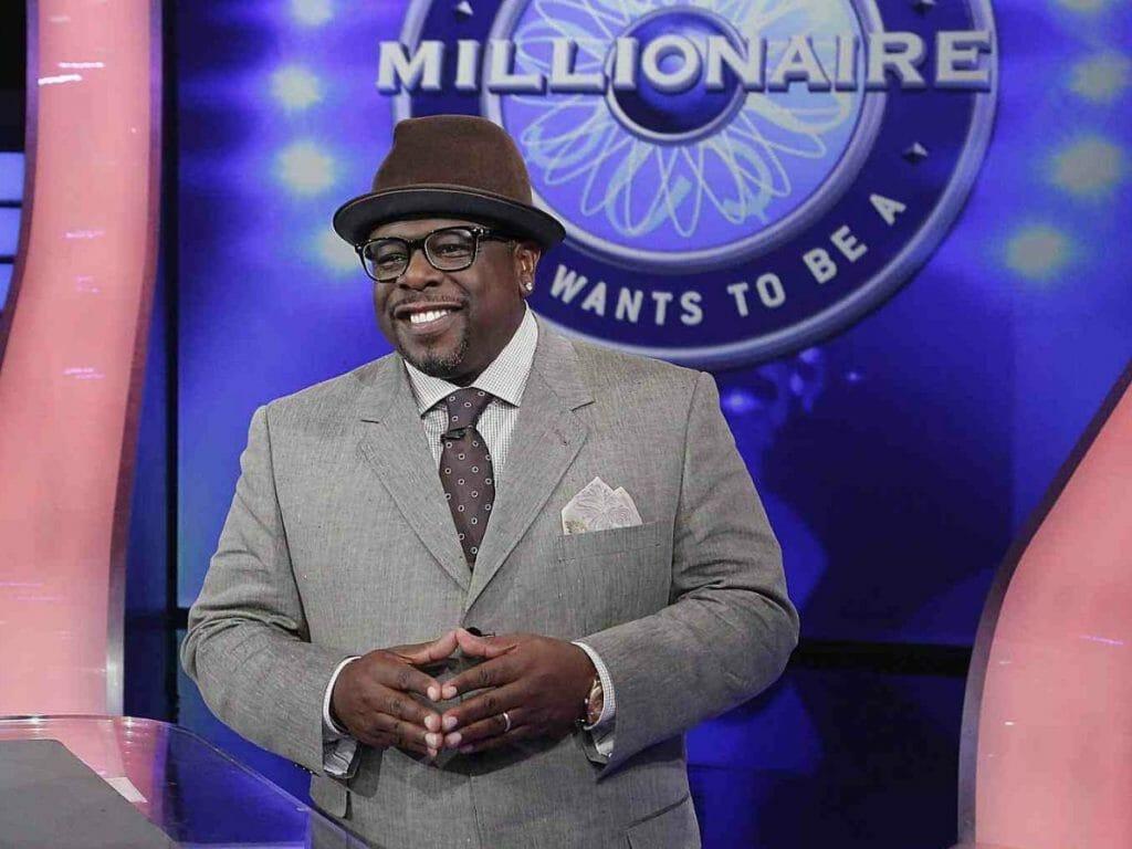 Cedric durante apresentação de Quem Quer Ser um Milionário?