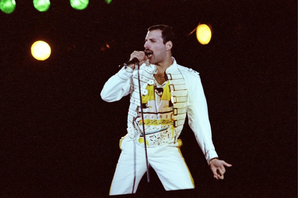 Festa de Freddie Mercury em hotel foi tão épica que é celebrada até hoje - 2